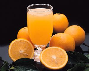 Färskpressad apelsinjuice - Ej fryst koncentrat från råvarubörsen
