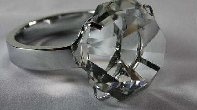 diamantring-pris.jpg