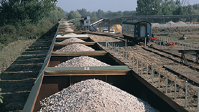 iron-ore-bulk-transport.png