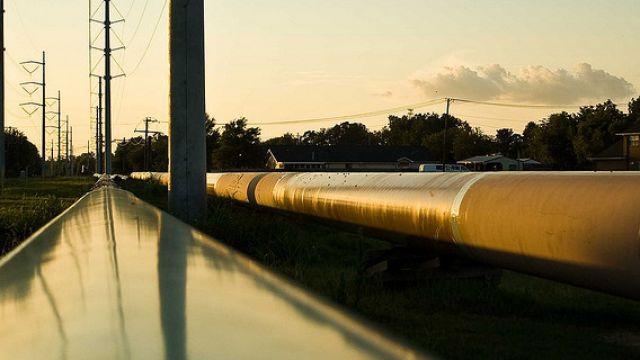 pipeline-olja-skymning.jpg