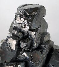 Bly, den minst populära basmetallen på marknaden