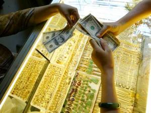 Guld köps och säljs i Vietnam