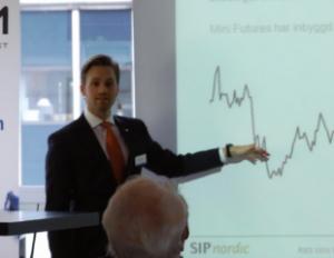 John Lönnqvist om att investera i en mini future eller tracker