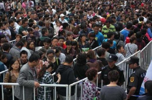Kineser köper guld efter prisfall