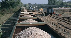 iron-ore-bulk-transport.png