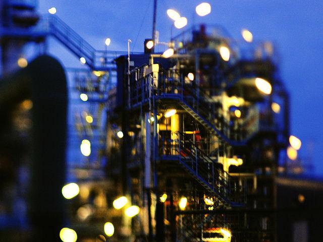 oljeraffinaderi-mikael-tigerstrom.jpg